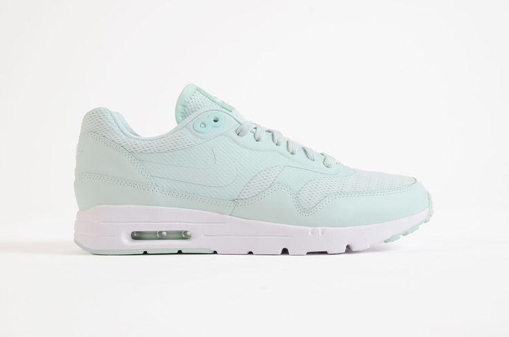 Nike - Air Max 1 Ultra Essentials Women (Fiberglass/ Fiberglass-White) from Sneakerworld