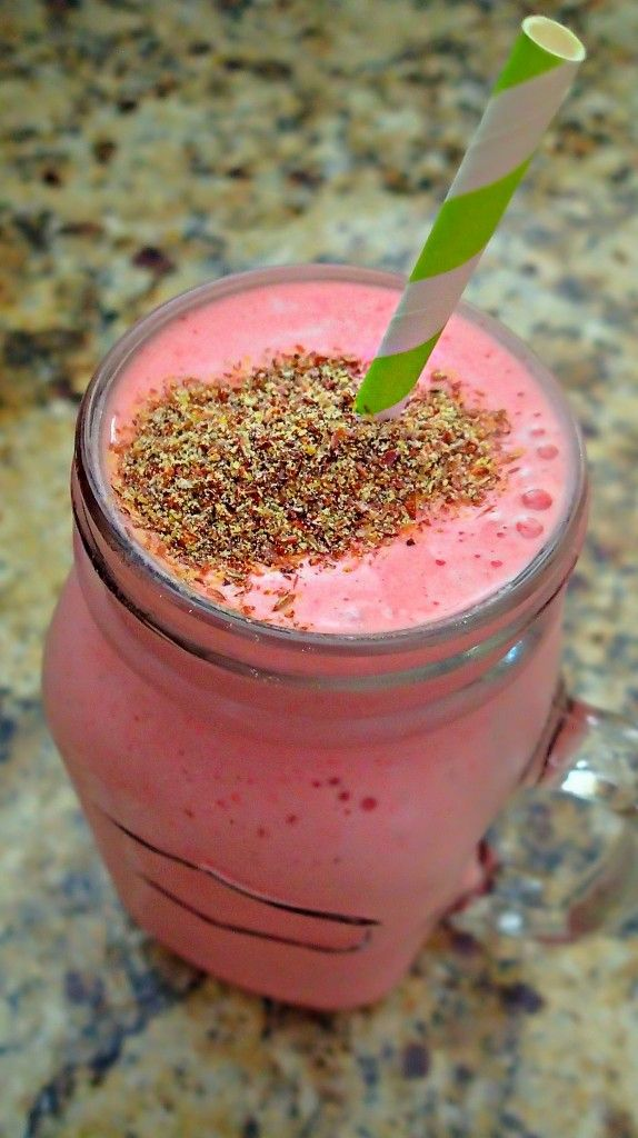Strawberry Pineapple Flaxseed Protein Shake – Simply Taralynn