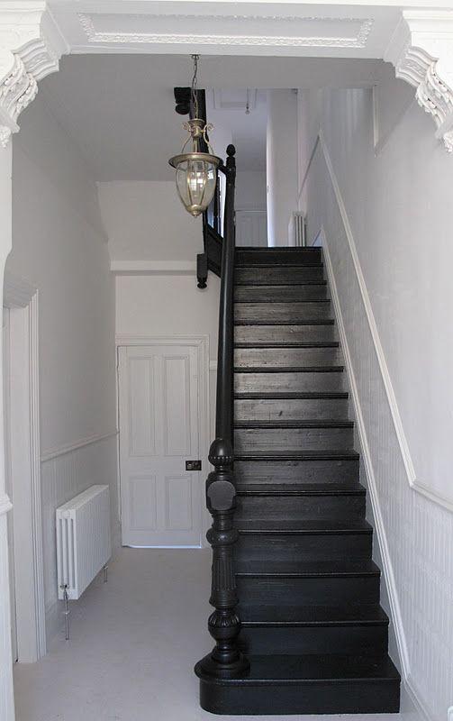 Et on se demande de quelle couleur on repeint l 39 escalier upside down pinterest cage d - Photo escalier repeint ...