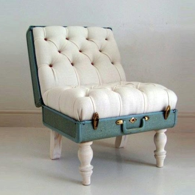 sweet looking chair! I would never have this but it is such a good idea