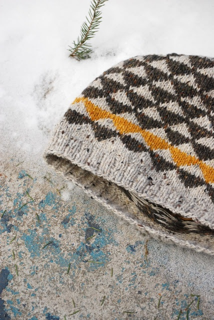 Pennant Color work Hat and Mittens by Maria Carlander