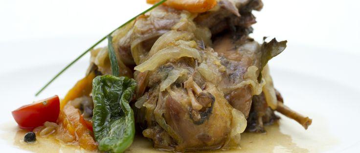 Come y tapea estas #fiestas con nosotros http://kcy.me/1a9tq ¿Conoces nuestra cocina? #restaurante #Cáceres