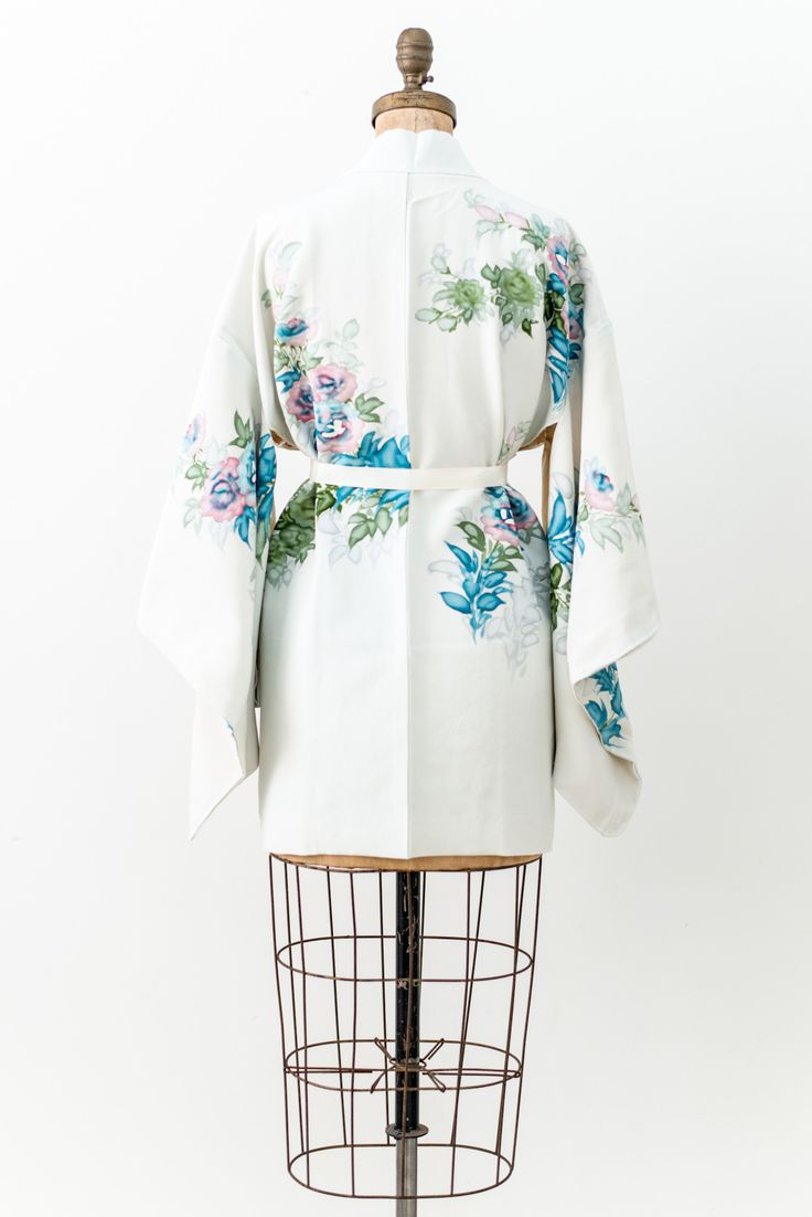 Vintage Sky Blue Silk Watercolor Print Short Kimono - One Size