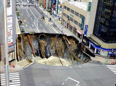 Japan - It's A Wonderful Rife: Large Sinkhole Appears In Japanese City