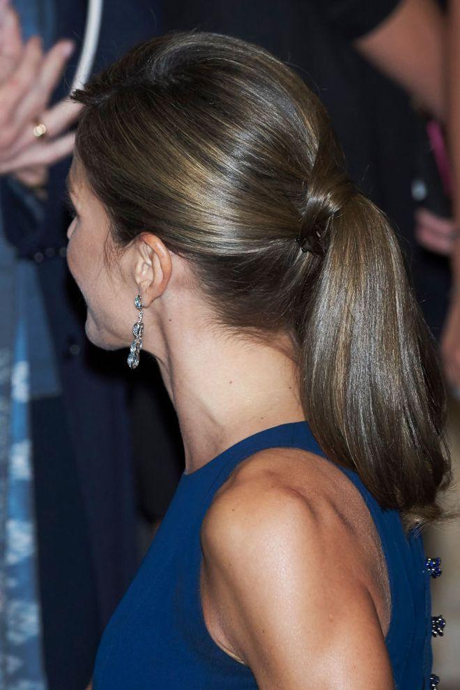De última generación peinados letizia ortiz Colección De Cortes De Pelo Tutoriales - Letizia Ortiz perfecta con un vestido azul de Felipe ...