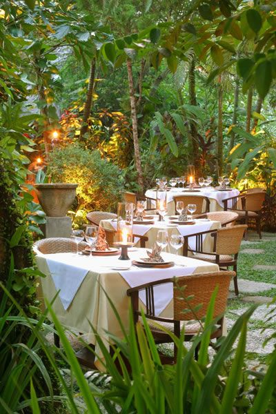 i think i need to sort out a romantic liason in bali, just so i can have an amazing romantic dinner at mozaic.
