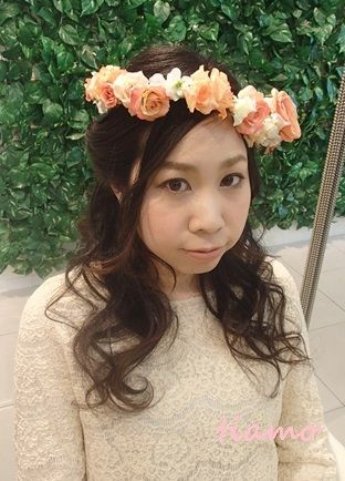 クラシカルなシニヨンから人気の花冠スタイルへチェンジ♪リハ編  大人可愛いブライダルヘアメイク『tiamo』の結婚カタログ Ameba (アメーバ)