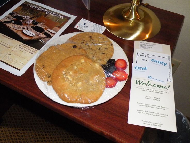 The very yummy welcome snack in our motel room at Denali Bluffs