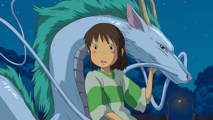 Chihiro es una niña de 10 años que viaja en coche con sus padres. Después de atravesar un tunel, llegan a un mundo fantástico, en el que no hay lugar para los humanos, sólo existen dioses de primera y segunda clase. Cuando descubre que sus padres han sido convertidos en cerdos, Chihiro se siente muy sola y asustada, El viaje de Chihiro HD