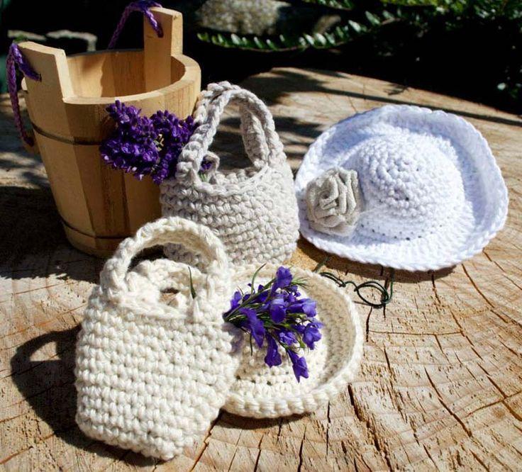 Free Pattern for a crochet doll sun hat and bag. http://www.missdaisydolls.com/blog/15-free-patterns/31-freecrochetdollhatandbagpattern.html