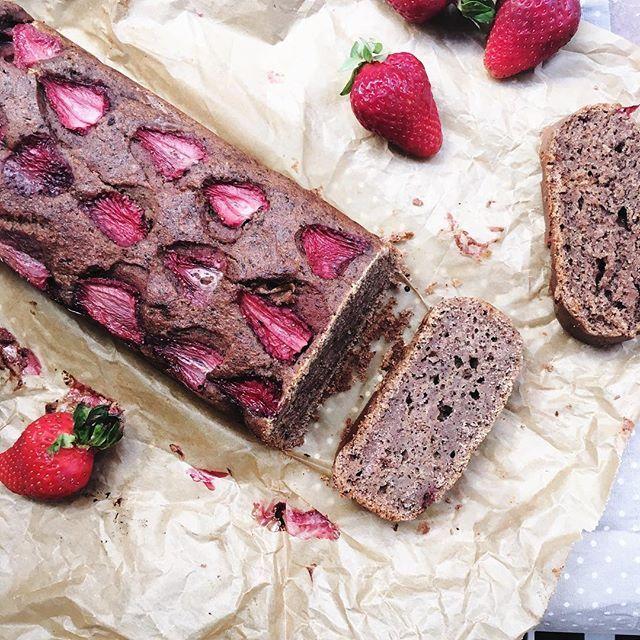 Marvelous Hach der Erdbeermus Kuchen von gestern ist im Kasten im Magen