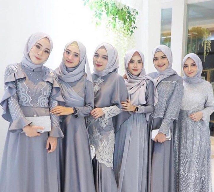 Baju Abu Abu Tua Cocoknya Jilbab Warna Apa