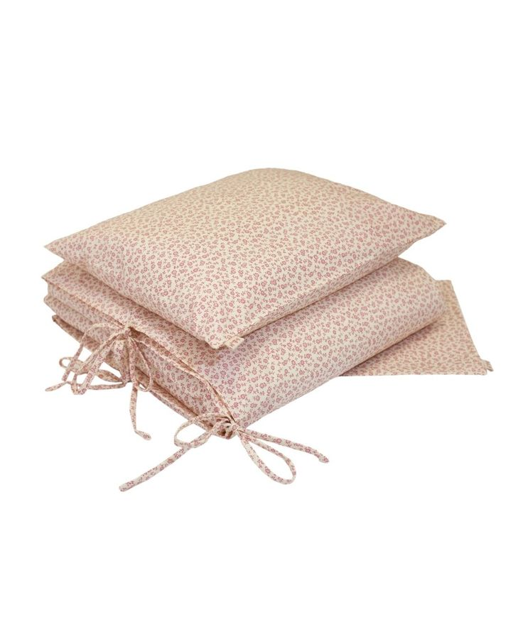 The latest collection Numero 74. Beautiful duvet coverin cream color with pink flowers - pillowcase with duvet cover. Made of soft cotton, makes bed...