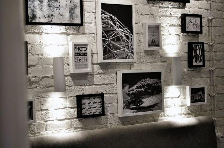 Egyszobás kis lakás modern stílusban, egyedi hangulattal - üvegfallal leválasztott hálóval