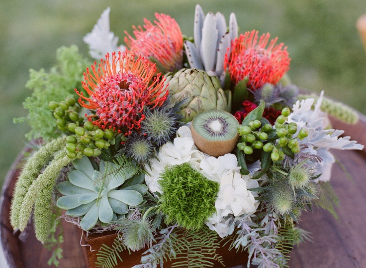 Beautiful Centerpiece ~ Photography by michaelandannacosta.com, Floral Design: Anna of Crazy Daisy