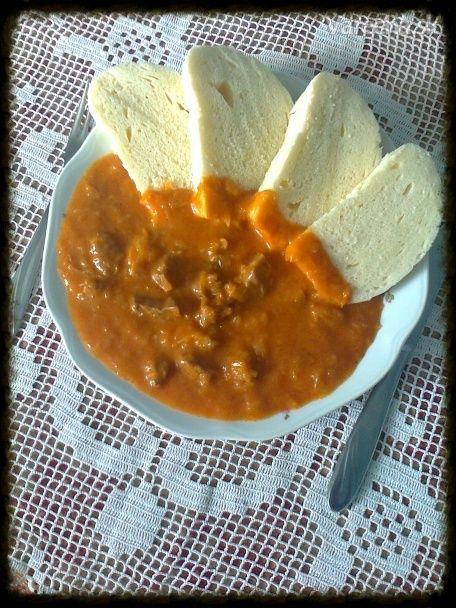 Segedínsky guláš s paradajkovým pretlakom (fotorecept)
