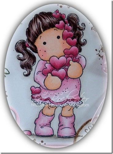 I have coloured Tilda with many hearts with copics: Skin: E21, E00, E000, R20 Hair: E79, E74, E70, E40 Dress: R81, RV000, RV0000 Hearts: R85, R83, R81 Shadows: W5, W3, W1, W0, W00