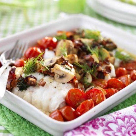 Ugnsbakad torsk med bacon, tomat och svamp