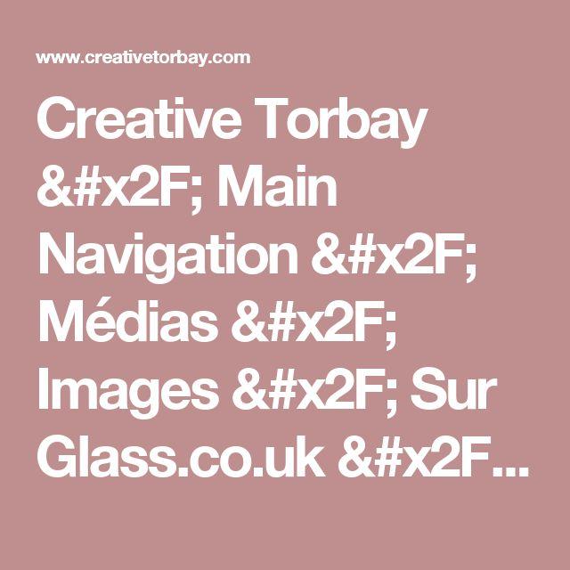 Creative Torbay / Main Navigation / Médias / Images / Sur Glass.co.uk / Images / 0000-00-00T00: 00: 00Z / Vitrail - Bateau et fenêtre phare