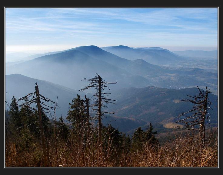 Lysá hora, pohled směrem na Smrk, Kněhyni a Radhošť