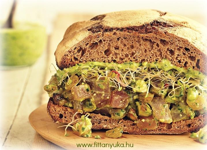 spenót pestos szendvics