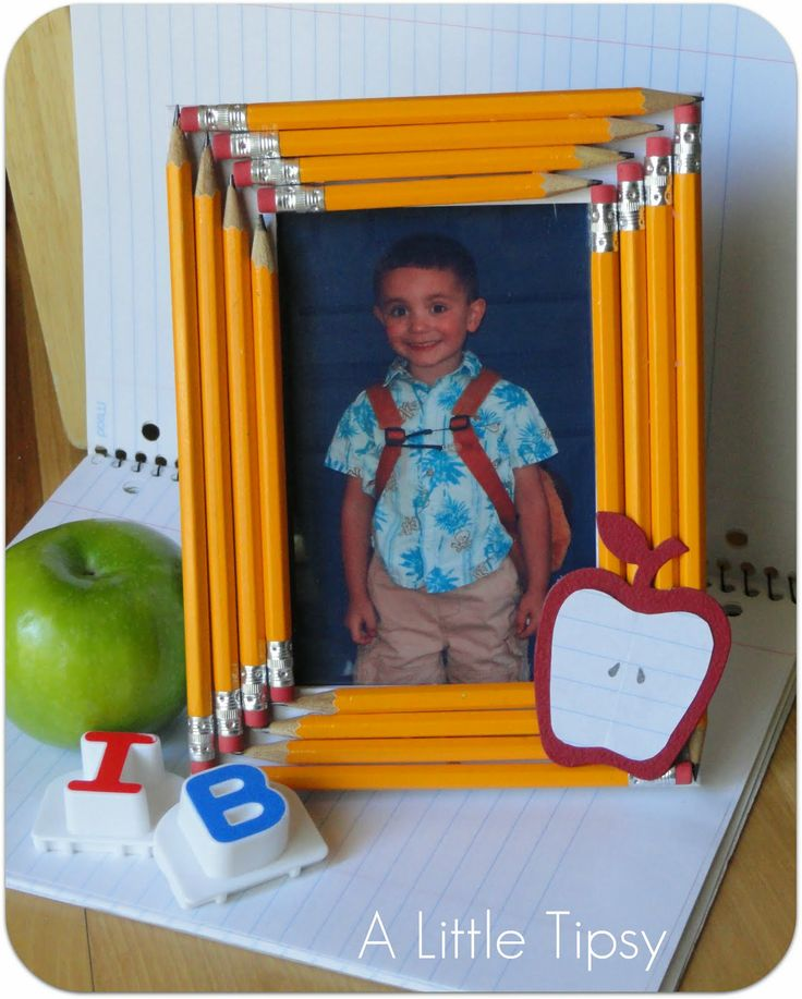 pencil frame.Pencil Frames, Back To Schools, Teachers Gift, Gift Ideas, Picture Frames, Schools Photos, Schools Pictures, Pictures Frames, Crafts