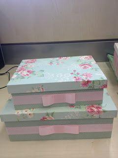 kit com duas caixas revestidas com tecido de poá v...