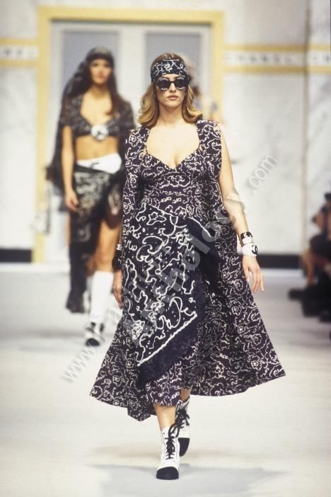 558 best chanel 1990s chanel1990 images on pinterest for Pret a porter history
