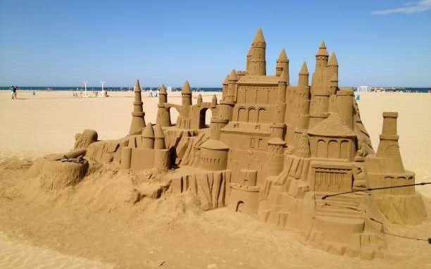 Ούτε το κάστρο, ούτε ο ωκεανός σου ανήκει...