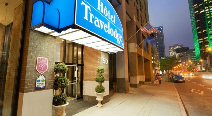 Hotel Travelodge Montreal Centre Montréal Located in Downtown Montreal, Hotel Travelodge Montreal Centre features an on-site restaurant and free WiFi. It is 3 minutes' walk from Place-d'Armes subway station and 500 metres from Old Montreal and Chinatown.