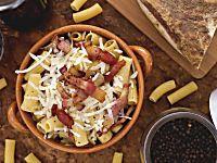 Le trofie con tonno e zafferano sono un cremosissimo primo piatto pronto in 10 minuti. Buone da leccarsi i baffi!