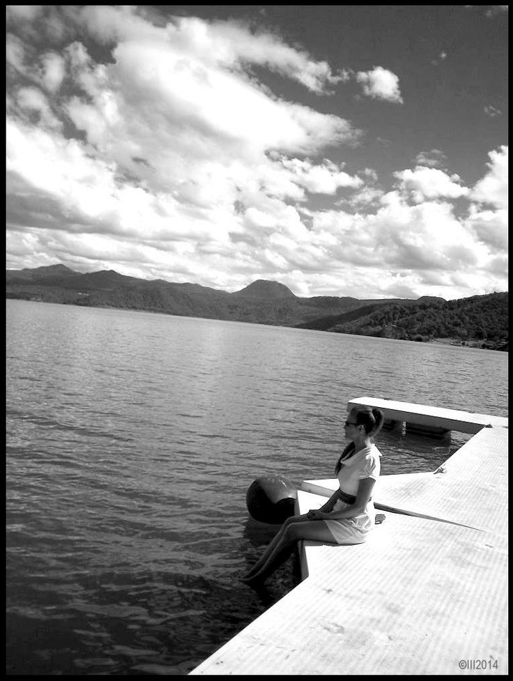 Peaceful.   Valle de Bravo Lake (Reservoir). Mexico. ..  March 10th,2014. Photographer: ELIAS. Model: Patty Aguirre.