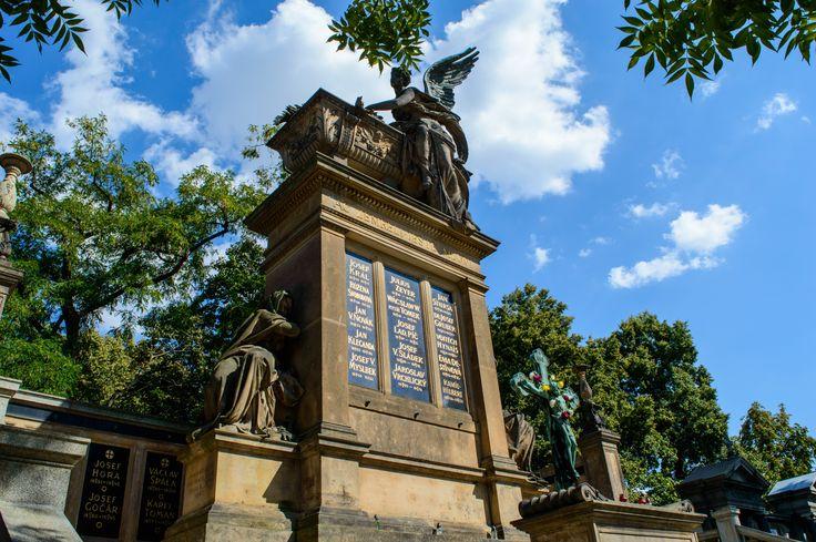 Výšehradský hřbitov - Praha. #vyšehrad #prague #praha #czechrepublic #hřbitov