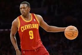 "Luol Deng calls the Cleveland Cavaliers a ""mess"""