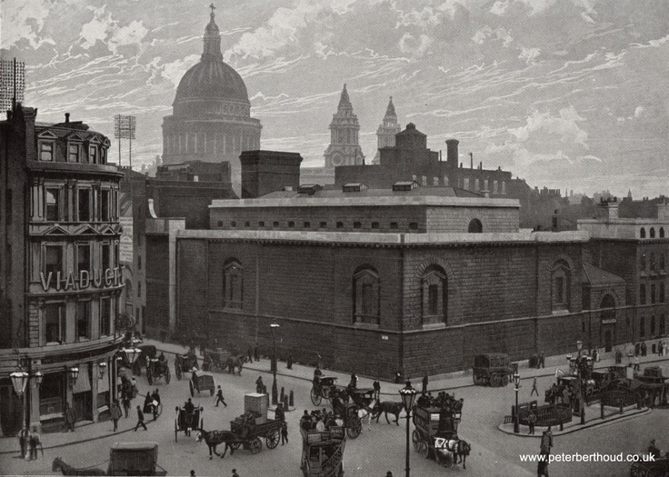 Newgate Prison and The Viaduct Tavern on Holborn Viaduct in 1897