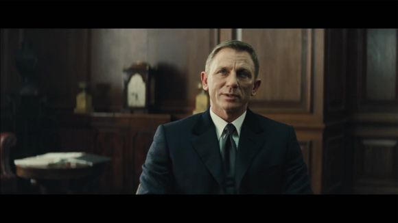 The new James Bond Spectre trailer on YouTube excites the masses and is also trending in Twitter since it released yesterday.