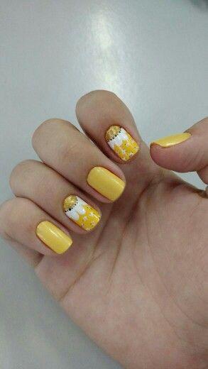 Unhas de girassol! By Bruna Luques #girassol #amarelo #unhasdecoradas