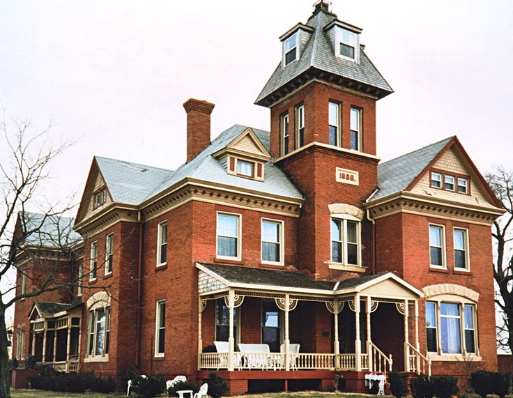 69 best illinois red brick houses remind me of home images for Brick victorian house