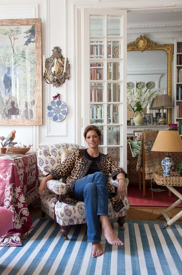 Remember textile designer Carolina Irving's stunning Parisian home? Well, it's been shot again, this timebythe French publicationSérie Limitée. The fantastic photos by Jean -François Jaussaud revealCarolina relaxing in her fabulous leopard Irving & Finecoat. I can't get enough of her iznik ceramic collection (I'm already itching to get back to Istanbul!) and layered textiles. Below, …