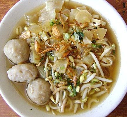 Mie kocok kikil Bandung..I should try to make it one day that's is culinary in indonesian