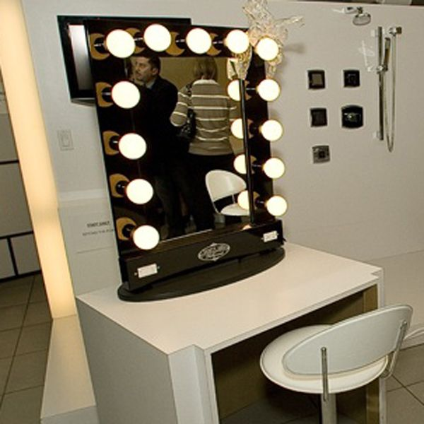 vanity mirror with lights broadway lighted table top vanity mirror. Black Bedroom Furniture Sets. Home Design Ideas