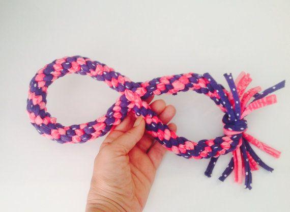 Juguete perro tirador infinito en rosa y azul juego por MuckaPets