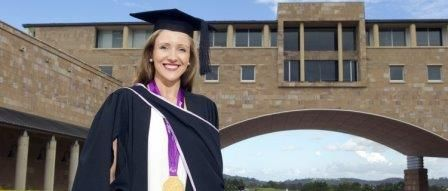 Bond Law School graduate and Paralympic gold medallist Annabelle Williams has become the second Bondie to join the Australian Olympic Committee (AOC) after being named the Committee's new legal counsel in the lead up to the 2016 Rio Olympic Games.