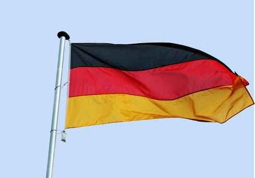 Deutschland Fahne in hochwertiger genähter Qualität, im Hochformat und Querformat allen Standardgrößen zum online bestellen.