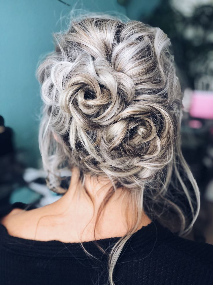 @sparrowsandlily This casual, messy updo was done for a holiday event that I hosted. I love this floral, fun hairstyle for medium length hair. | Updo ideas, white blonde hair, casual updo, wedding updo, wedding hairstyle for medium hair, wedding hair ideas