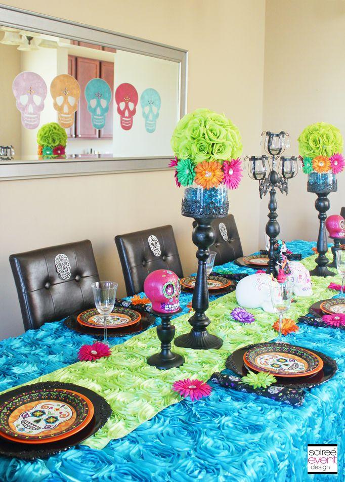 Decoración de mesa con temática de Día de Muertos. #FiestaHalloween