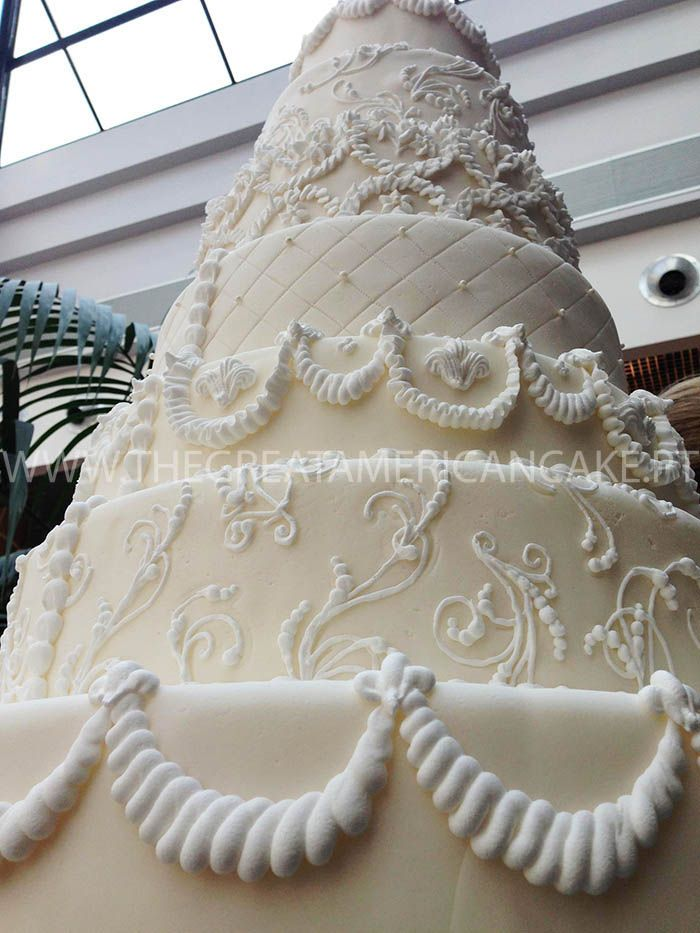 Bolo de Noiva decorado com glacé real <3 Wedding Cake decoration with royal icing <3 Julie Deffense <3 www.cake.pt