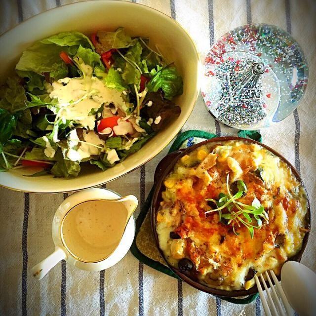美容の為に、サラダを食べてから、メインを頂き、お腹いっぱいです♪( ´▽`) - 91件のもぐもぐ - クリームシチュードリアランチ! by tinatomo