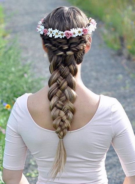Gorgeous 5 strand braid @braidsbyjordan created with her Dirty Blonde Luxies! Perfect easy hairstyle for Summer!