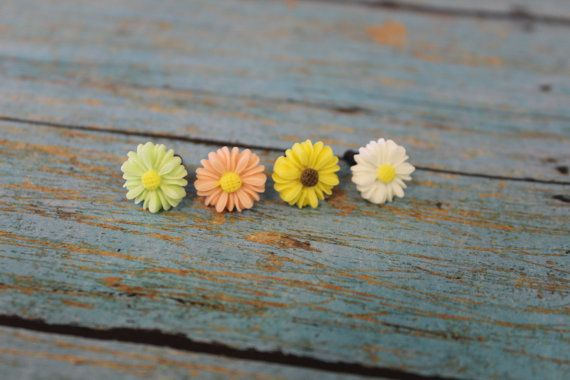 flower dust plugs, iphone dust plugs, accessories for your iphone, floral #hot2own #dustplug #iphonecase